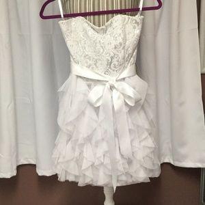 Jessica McClintock strapless white mini dress👰🏻